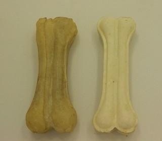 Pamlsky z buvolí kůže - psí pochoutka nebo životu nebezpečný výrobek?